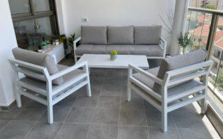 מערכת ישיבה אלומניום תלת מושבי דגם בורדו צבע לבן
